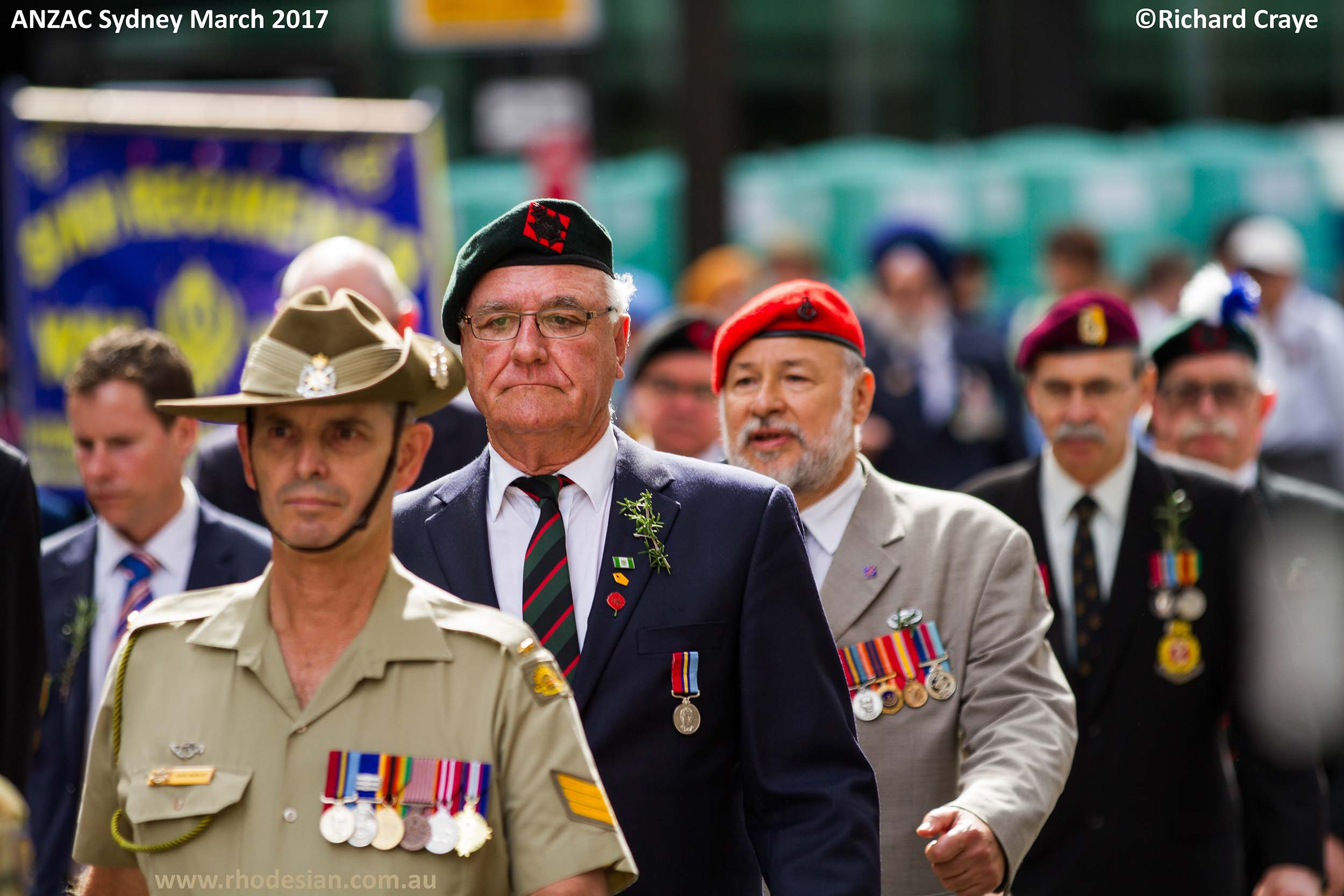 Australian reserve member with Rhodesian veterans in ANZAC Day March in Sydney in 2017 posted on www.rhodesian.com.au
